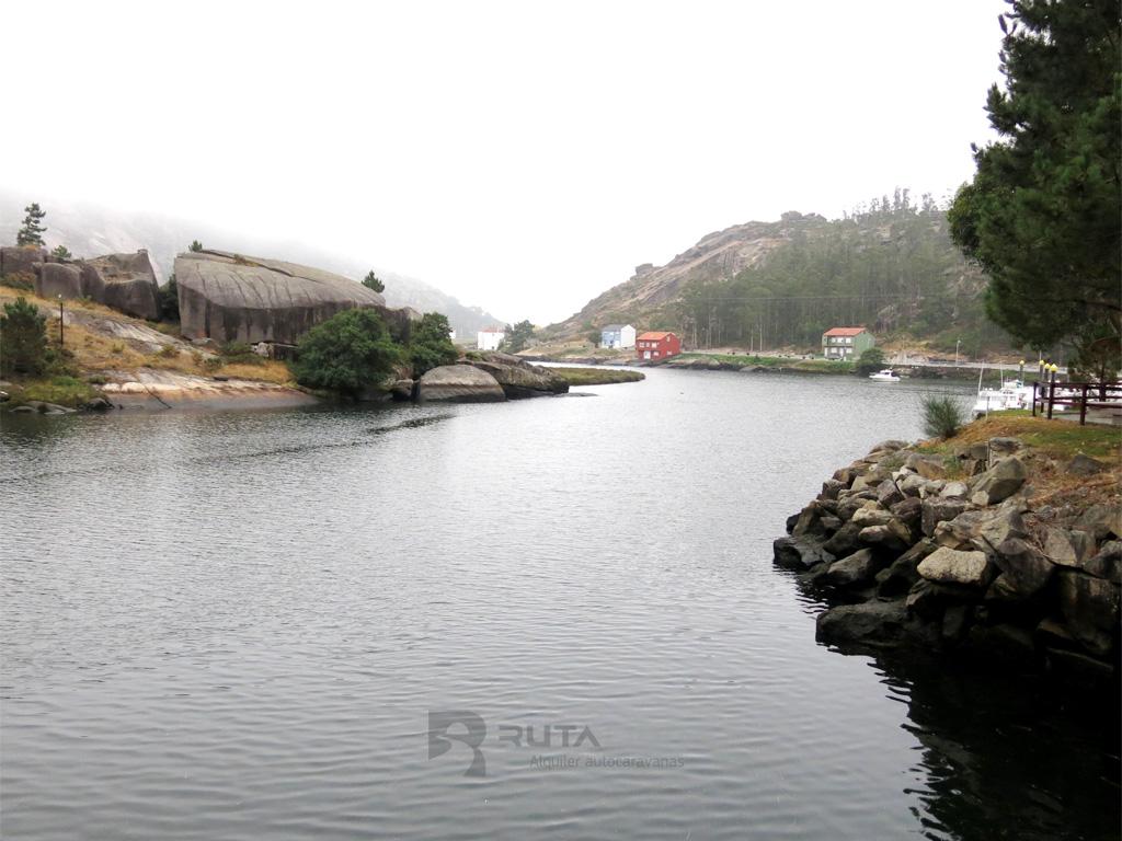 Rio en Ezaro
